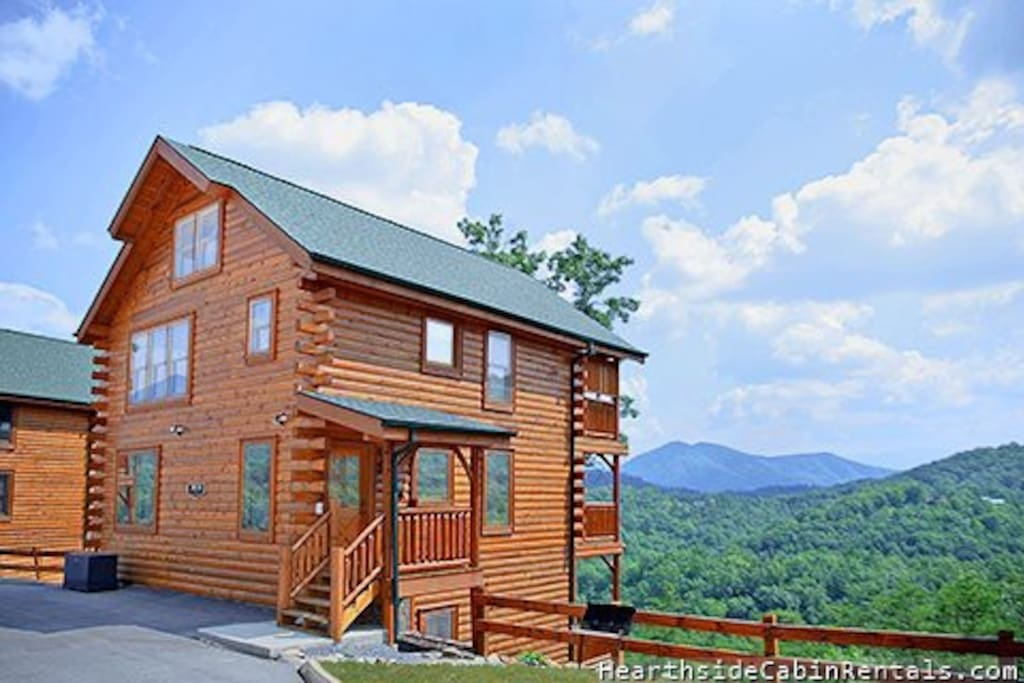 A walk in the clouds smoky mountain cabin cabins for for Smoky mountain tennessee cabin rentals