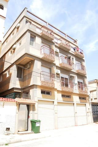 Disponible, un superbe et bel appartement F3 Alger - Bordj El Bahri - Apartment