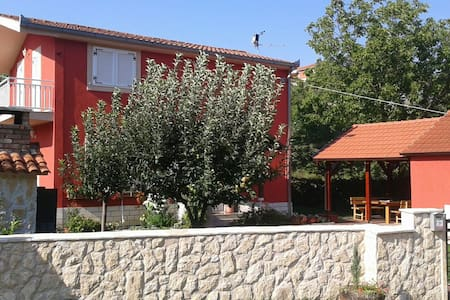 House Batarelo - Split lucane 33 c - Rumah