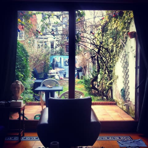 Cosy private room near station/town - Antwerp - Rumah