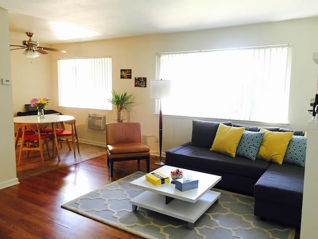 Mountain View Bright & Comfortable Apt(2Bed/1Bath)