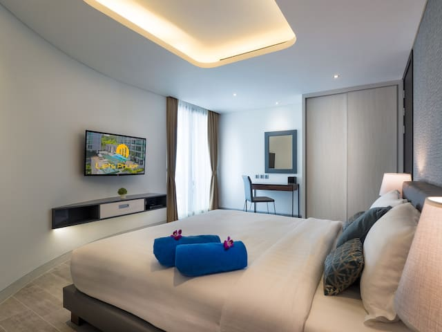 Deluxe Direct Pool Access 1 Bedroom Suite by Letsphuket Twin Sands Resort & Spa, Patong, Phuket