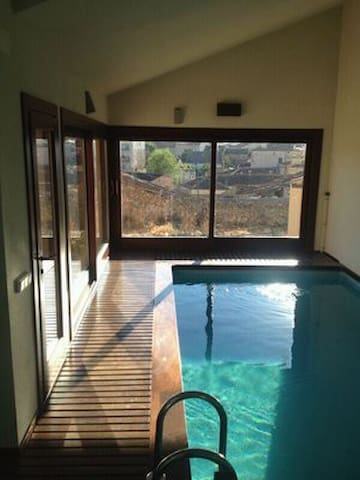 Casa Torrecalera:piscina climatizada. 8 km Pedraza