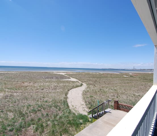Studio overlooking beach - Provincetown - Apartment