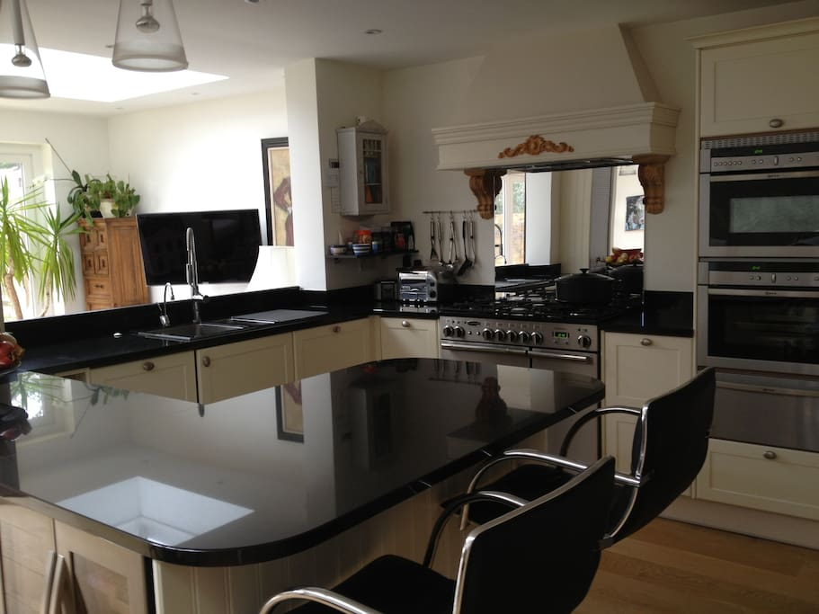Kitchen leading to conservatory