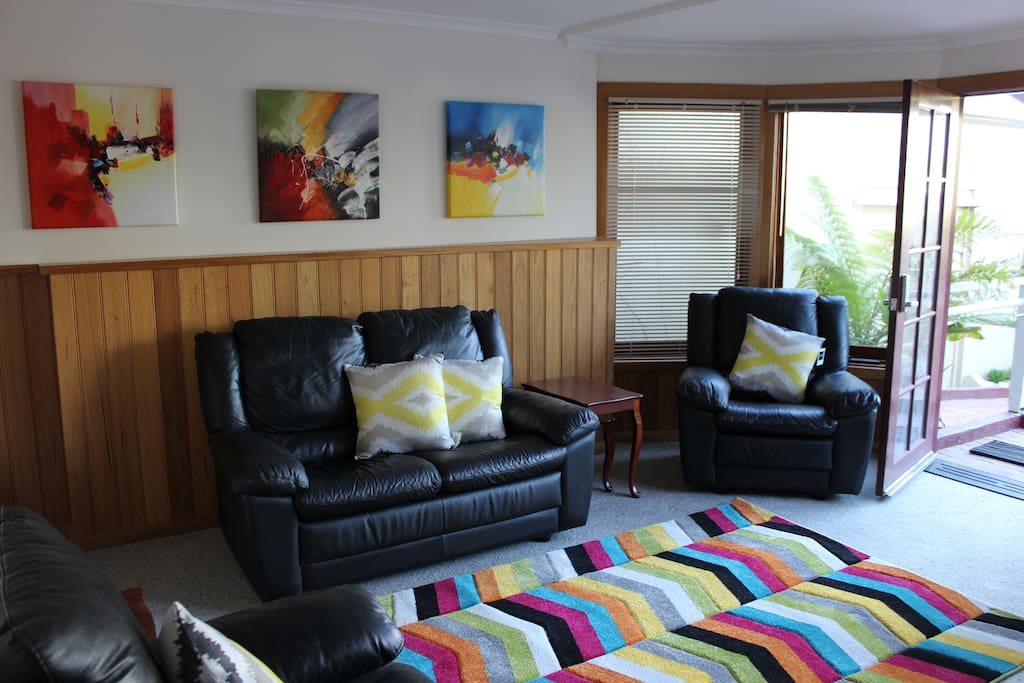 Colourful paintings and decor are a specialty at Ardmore