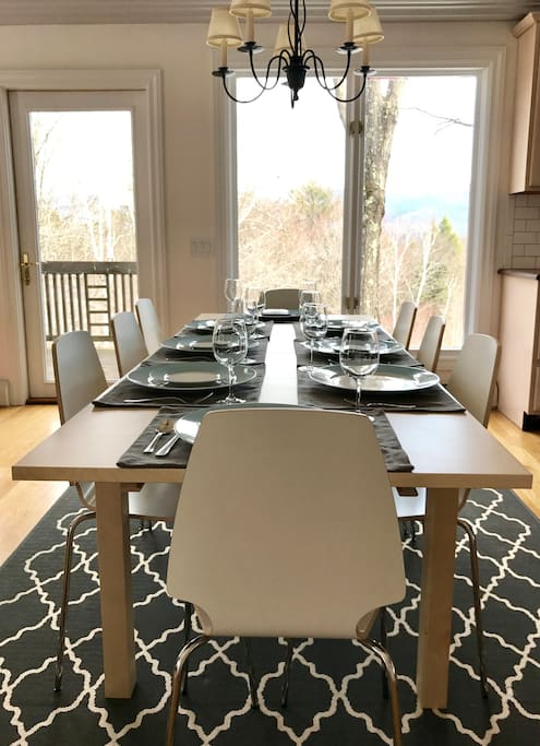 Seating for 8 around the table