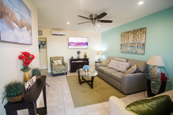 Affordable 1Bdrm close to Hollywood Downtown/Beach
