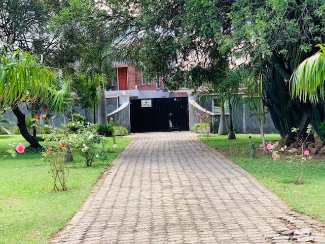 Travellers Guest House