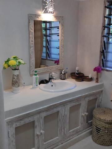 chumba kimya bathroom