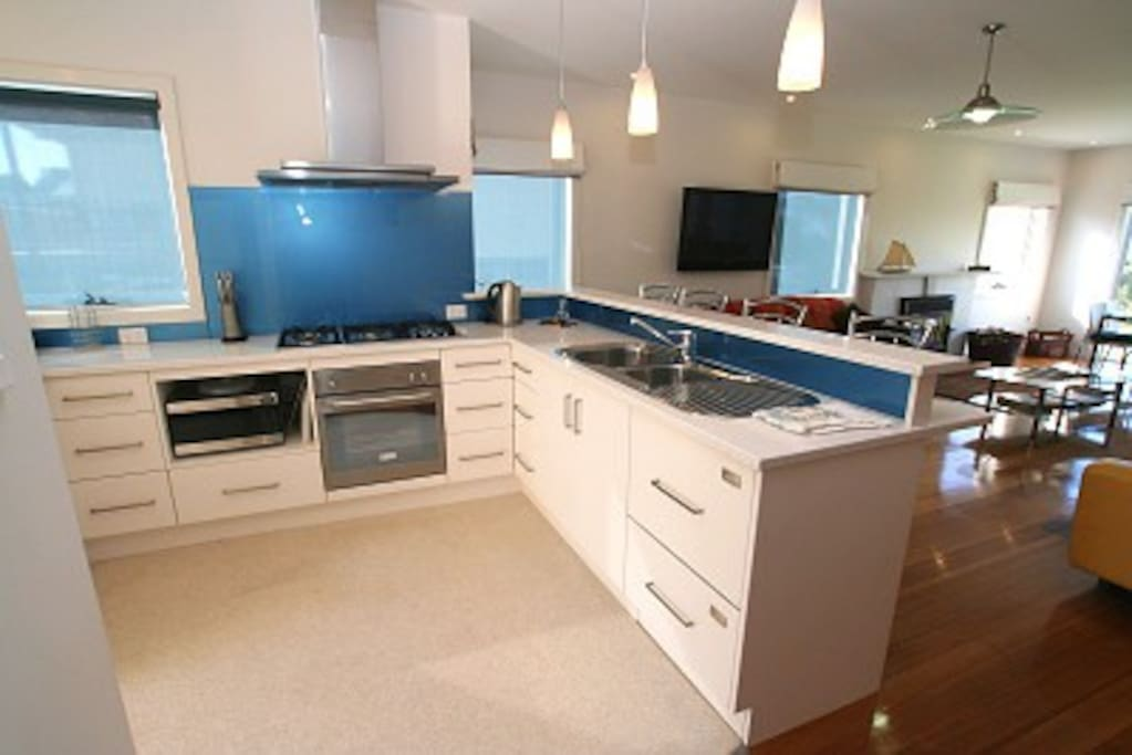 A fabulous fully equipped kitchen.