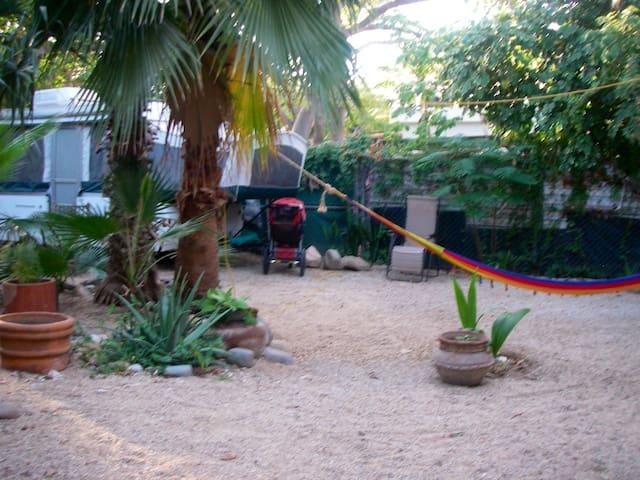 Garden Campsite in Cabo Centro *Acampar