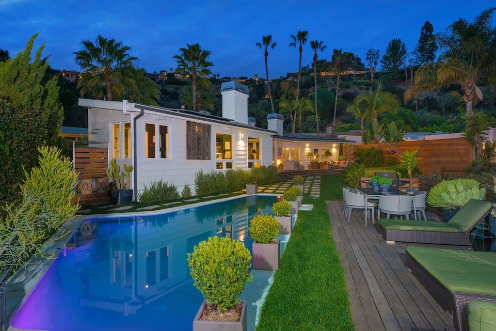 Beautiful hollywood hills home city views pool for Buy house hollywood hills