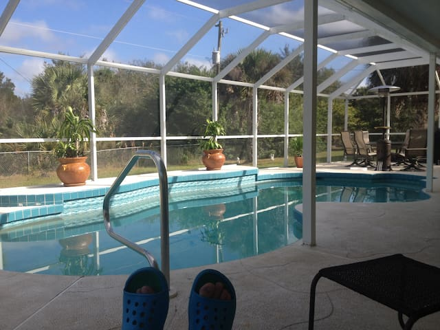 Private home w/Electric heated Pool - Port Charlotte - Hus