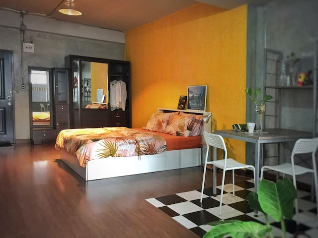 Stylish Loft 40sqm#BathTub#MRT Ratchada#Netflix
