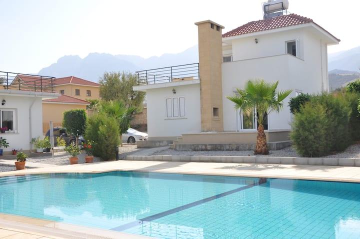 Mare Monte Villa