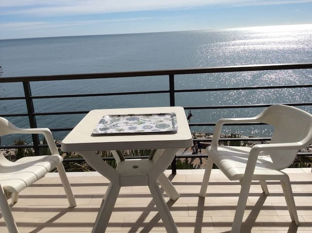 STUDIO OVER THE SEA - Torremolinos - Apartamento