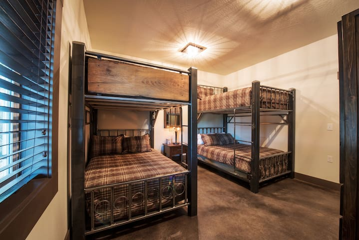 Lazy Bear Ranch Bunkhouse - Weiser - Annat