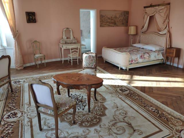 Chambre Saumon avec baignoire hydromassage-Château