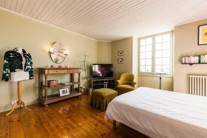 Chambre avec bassin de détente - Port-Sainte-Marie - Rumah