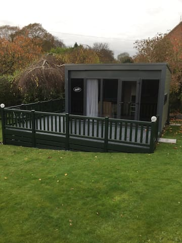 S Pod Self Contained Living Space - Telford - Dawley - Cabana