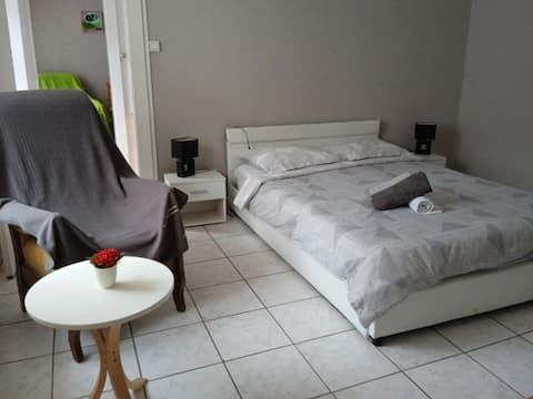 Appartement au rez-de-chaussée 5minute des thérmes