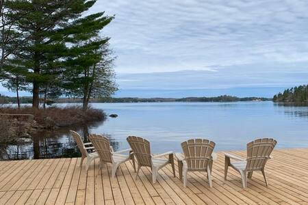 Cozy Lake Muskoka Cottage Awaits!