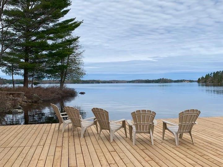 Cozy Lake Muskoka Cottage Awaits!