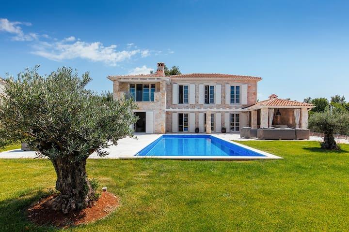 Villa Arabella, new charming villa