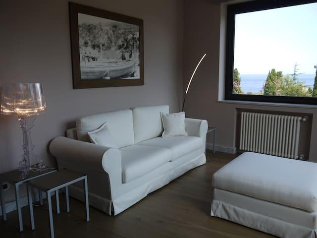 Fenetre sur le blue - luxury place with seaview