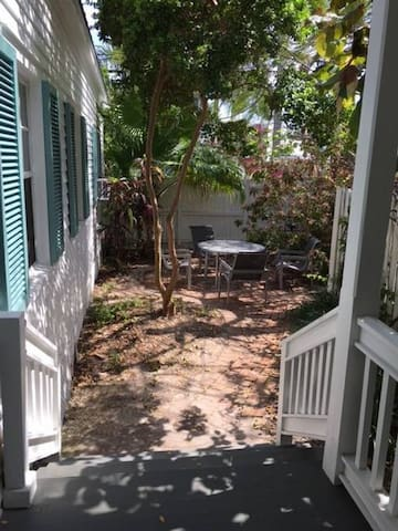 Private Key West 2 Bedroom Cottage