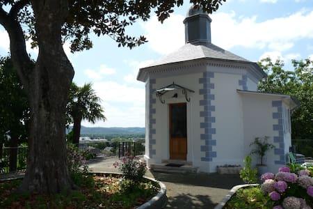 Gloriette de charme coeur historique Lescar - Pau