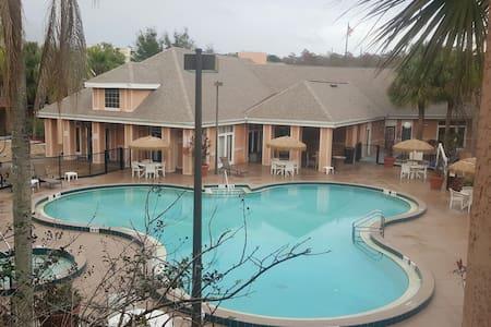 Uniquely Special Poolside Villa - Kissimmee - Villa