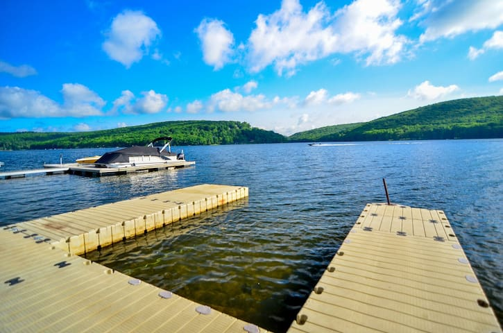 Lakefront chalet in central DCL w/ private dock, firepit, and ALL master suites!