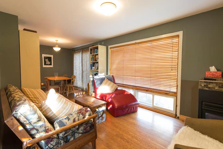 Great location - 2 Bdrm Townhome on Rideau River