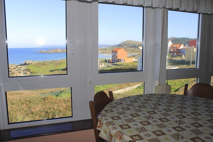 Apartment with sea views and terrace