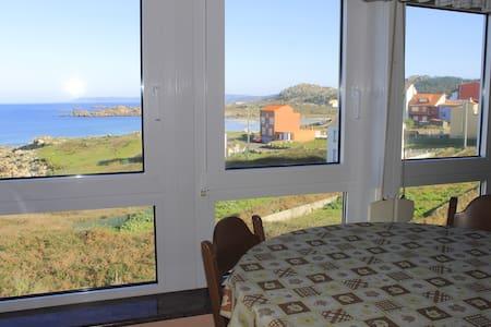 Ganzes Apartment mit Meerblick und Terrase