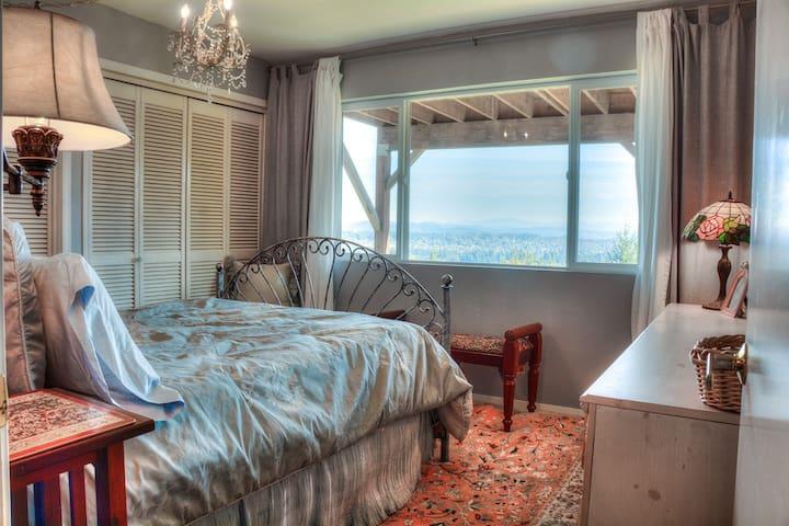 Stunning Views! BR, Bath, Kitchenette, Family Room