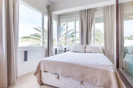 Apartamento con piscina y playa - Calvià