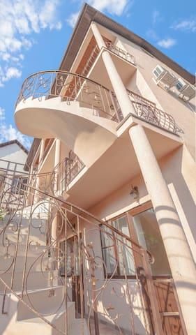 Виноградная Лестница - комната на 2-х человек