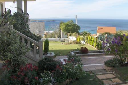 Garden Villa Spectacular Ocean View - Valdoviño - Hus