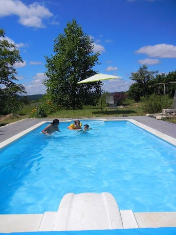 Private Magical Place To Be! Heated pool. - Sainte-Eulalie-d'Ans - Casa