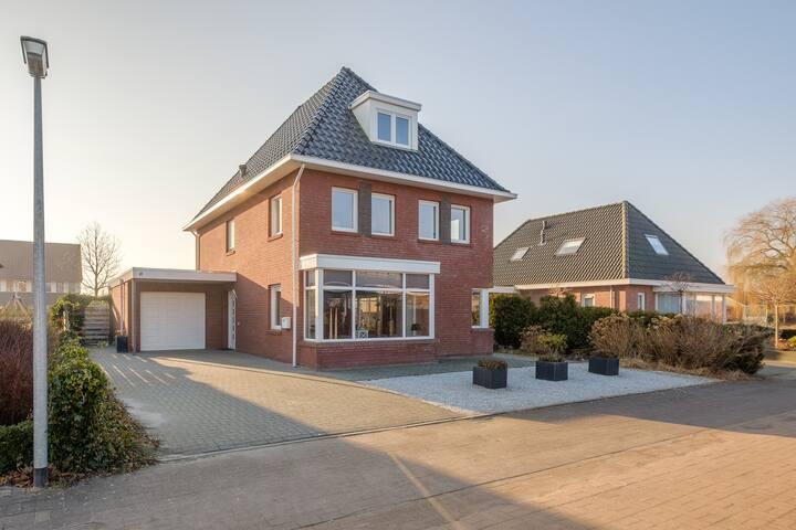 Kamer nabij Groningen, vrijstaand huis!