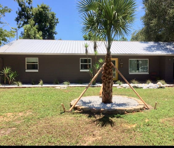 STYLISH 3 bdrm home. Block to water! NSB AREA!