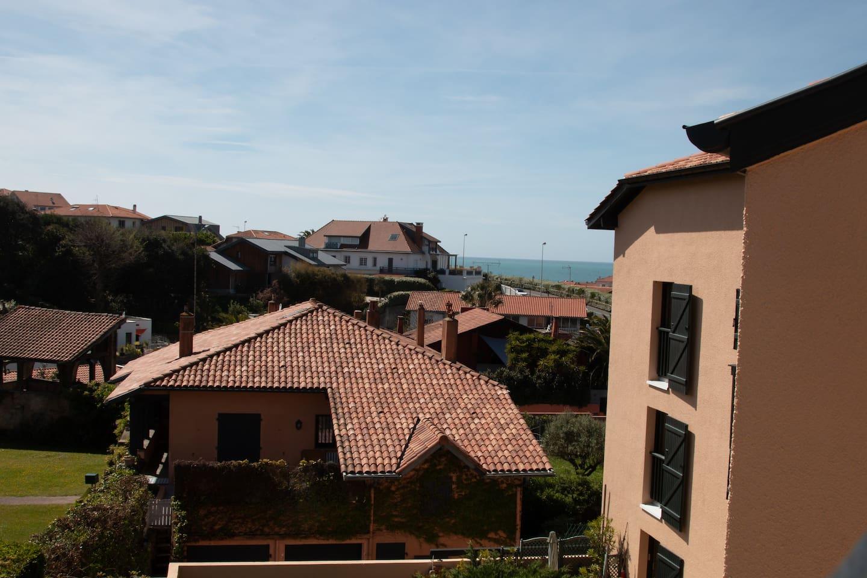 Vue terrasse avec aperçu mer