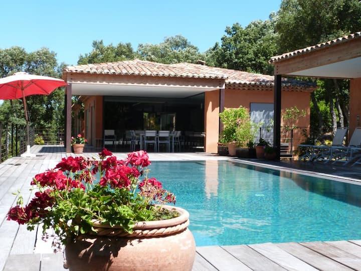 Maison d'architecte - Villas à louer à Le Plan-de-la-Tour, Provence-Alpes-Côte d'Azur, France