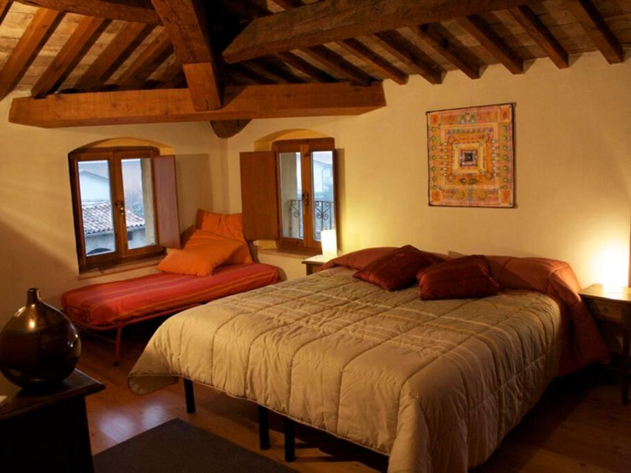 Camera matrimoniale più terzo letto