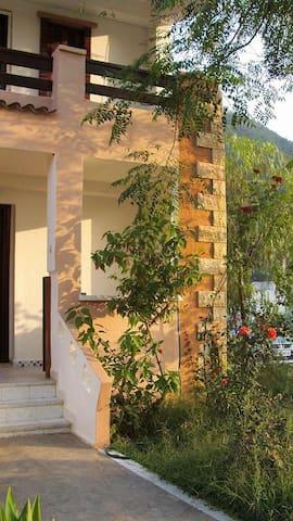 Villa Capritour Tichy Béjaia Alg - Bejaia - Casa