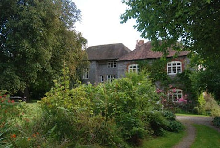 Idyllic English Manor House - Ullingswick - Penzion (B&B)