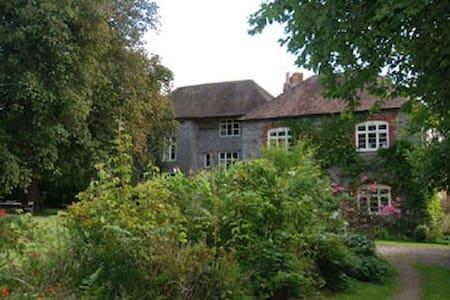 Idyllic English Manor House - Ullingswick